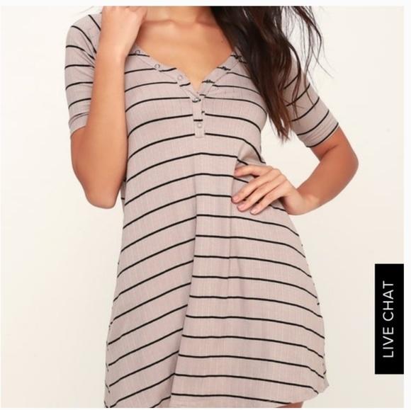 Billabong Dresses & Skirts - Billabong Beige Black Striped Short Sleeve Dress